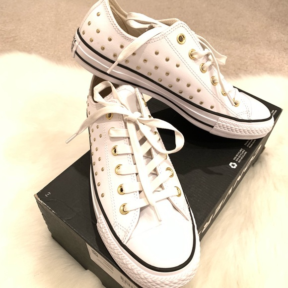 f11bd5a3196e NWT Converse white leather with gold studs Women 9